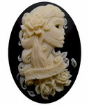40x30mm Lolita Skull Cameo Black and Ivory Resin Cameo 823x