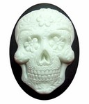 40x30mm Sugar Skull Calavera Mexican Day of the Dead Black White Resin Cameo