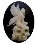 40x30mm Fairy Skull Cameo Black and Ivory Resin Cameo 824x