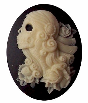 40x30mm Lolita Skull Cameo Black and Ivory Resin Cabochon 740x