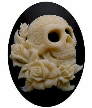 40x30mm Skull Goth Style Black and IvoryResin Cameo 819x