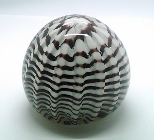 SOLD  Vintage Paperweight Swirl Crimp Crown Studio Art Glass